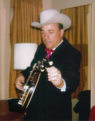Earl Scruggs ~ Backstage at Carnegie Hall '62